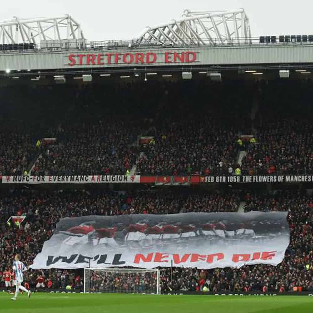 Manchester United giant crowd surf flag banner | XG Group