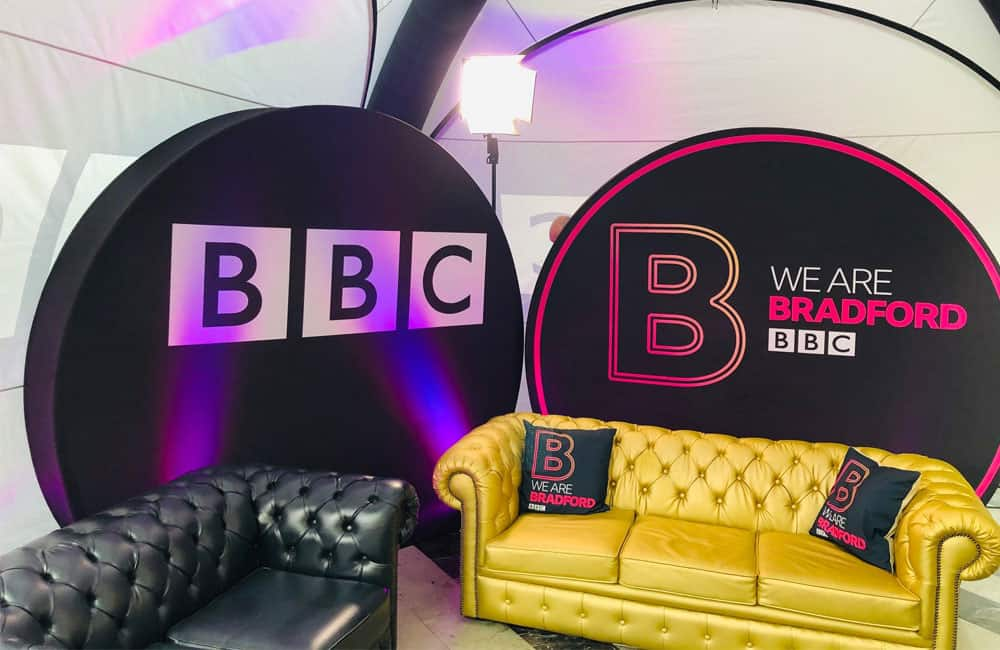 BBC Stretch Fabric Disc Shape Displays